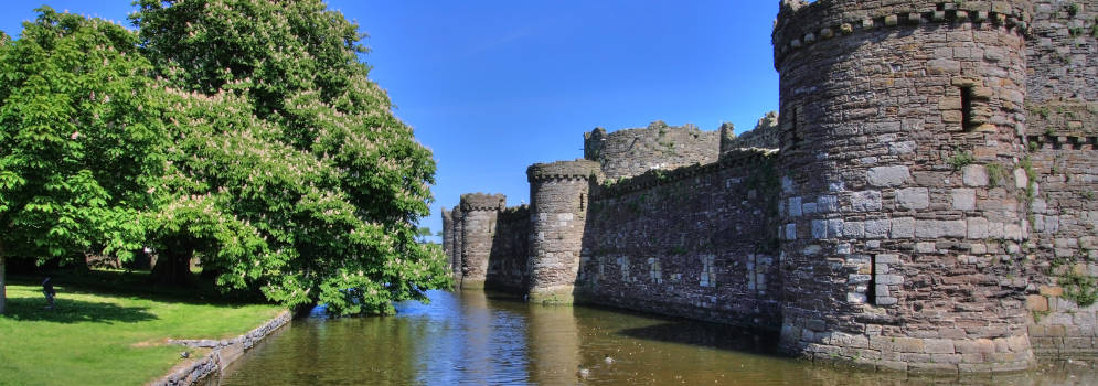 Beaumaris Castle op Anglesey, Wales